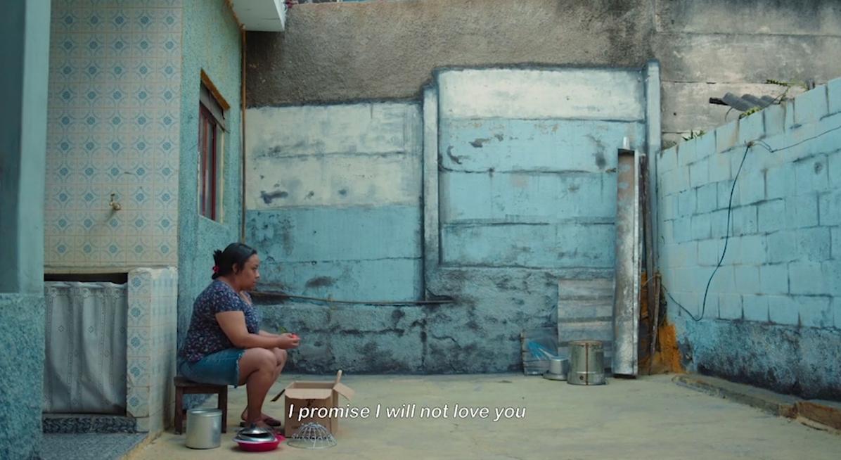 Film Still from André Novais Oliveira's Temporada (2018)