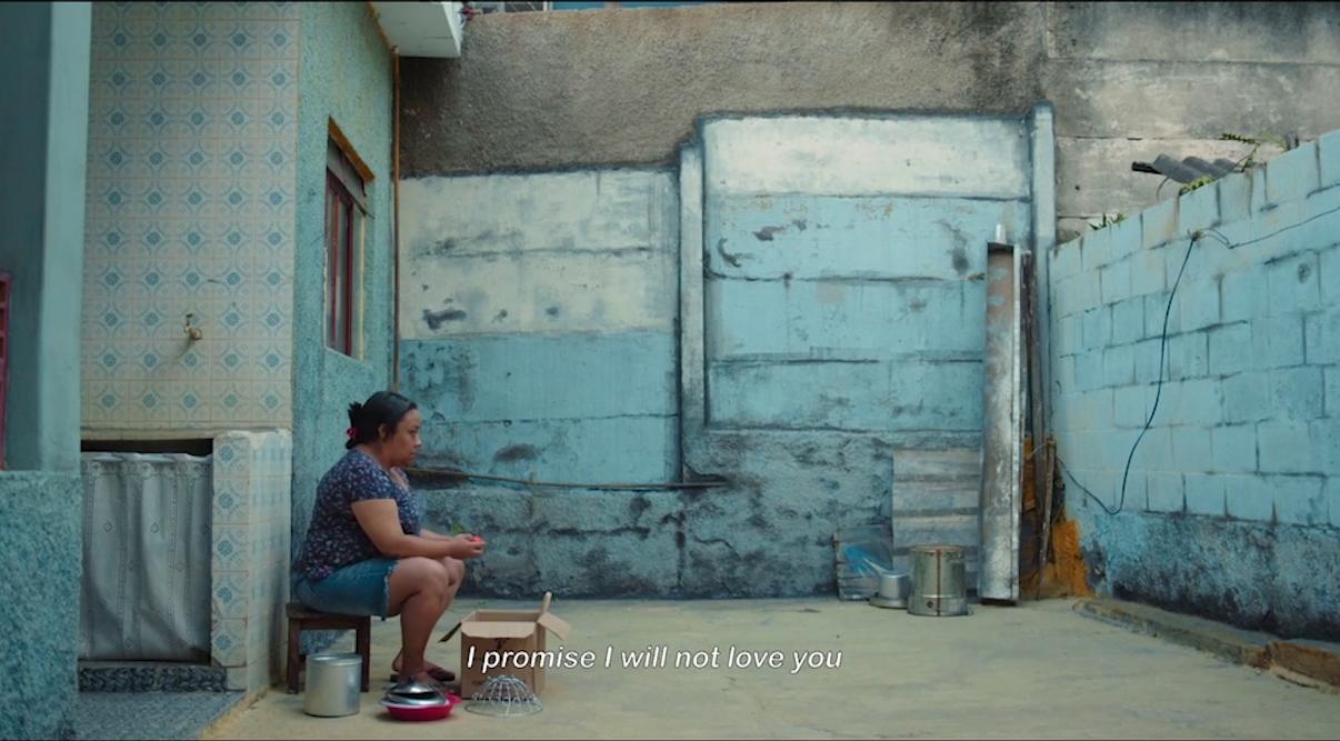Film Still from André Novais Oliveira's Temporada